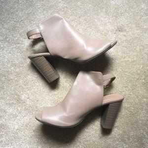 Old Navy open toe block heeled mules